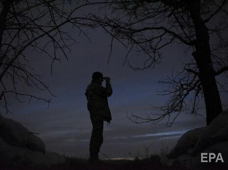 Один военный умер , еще один пострадал наДонбассе— Штаб