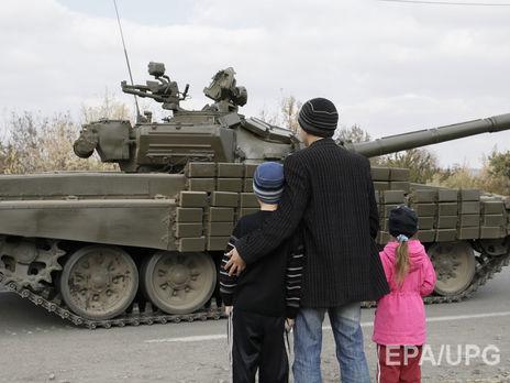 Отвод войск изнаселенных пунктов наДонбассе непредусмотрен— Тука