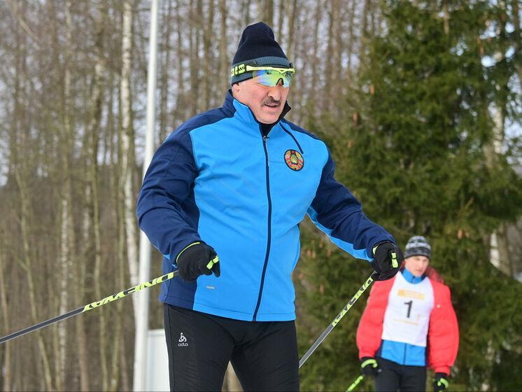 """Участник """"Минской лыжни"""" падал, чтобы не обогнать Лукашенко. Видео"""