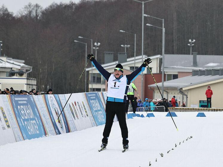 Пресс-служба Лукашенко ответила на обвинения в специальном падении лыжника на соревнованиях