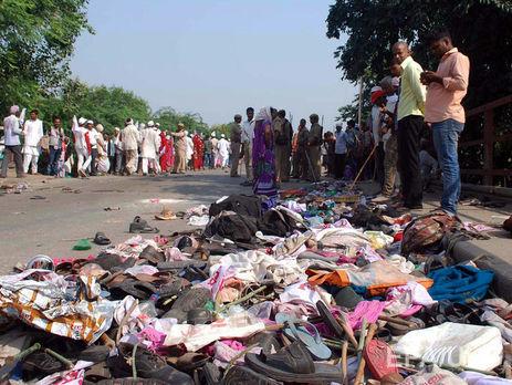 ВИндии погибли 24 человека из-за давки намосту