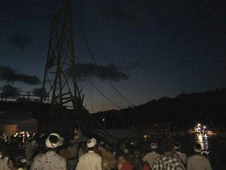 НаБали обрушился подвесной мост, необошлось без жертв
