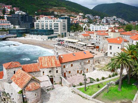 Черногория отменила все ограничения для туристов из четырех стран, включая Украину