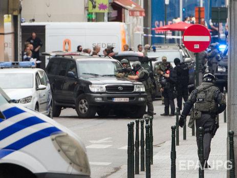 ВБрюсселе вооруженный мужчина взял взаложники гостей супермаркета