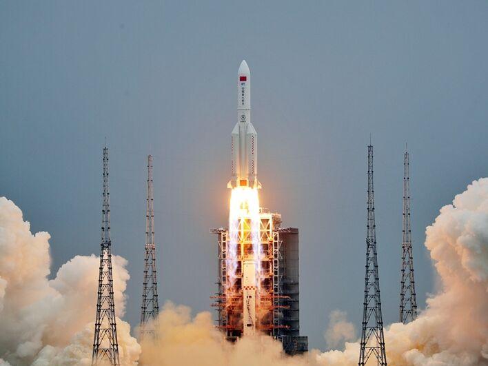 Стало известно, где может упасть ступень китайской ракеты-носителя