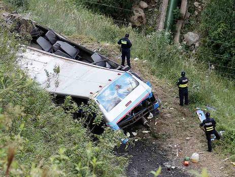 ВКоста-Рике сорвался вовраг автобус спенсионерами— есть жертвы