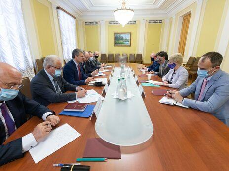 Офис президента обсудил с посольством США визит Зеленского в Белый дом
