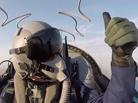 Президент Туркменистана Бердымухамедов полетал на сверхзвуковом боевом самолете. Видео