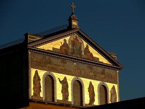 Храм Святого Павла вРиме закрыт из-за повреждений после землетрясения