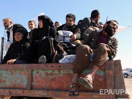 Экстремисты используют громкоговорители приказывая жителям близлежащих к Мосулу деревень выходить с вещами из домов