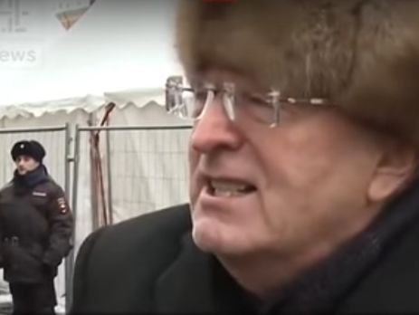 Жириновский наанглийском разъяснил, почему нужно голосовать заТрампа