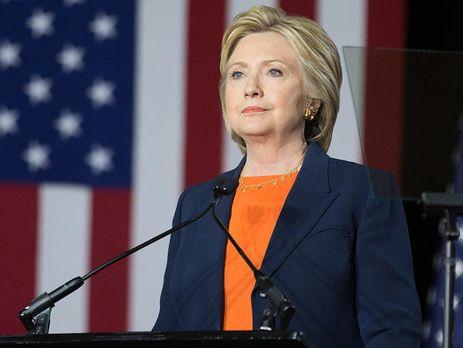 Клинтон опережает Трампа на5% - опрос