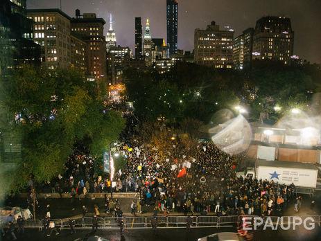 «Ненаш президент»: тысячи американцев протестуют против победы Трампа