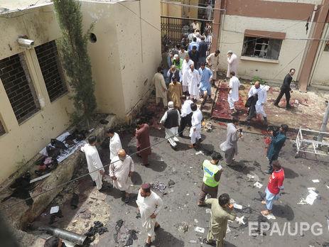Неменее 30 человек погибли при взрыве в монастыре Пакистана