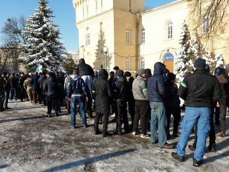 Около Мариинского парка собираются «титушки»— К.Кляцкин