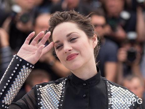 Постельные сцены видео российских актрис речке