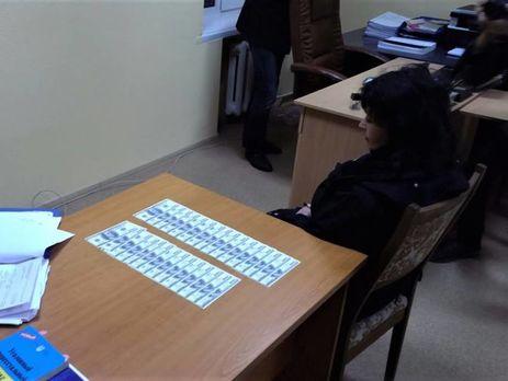 Учительнице, которая продавала девочку, назначили залог в400 тыс.