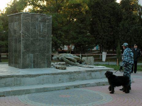 ВКрыму задержали подозреваемых вразрушении монумента Ленину