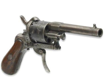 Револьвер, изкоторого был ранен Рембо, продан за434тыс.евро