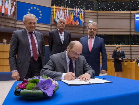 Европарламент принял бюджетЕС на наступающий год