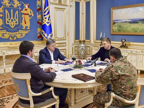 Порошенко взял ход расследования смерти полицейских вКняжичах под собственный контроль