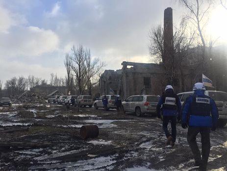 Регулярные обстрелы: миссия ОБСЕ эвакуировала свою базу соСветлодарска