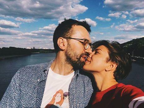 Диджей Топольская стала официальной невестой народного депутата Лещенко