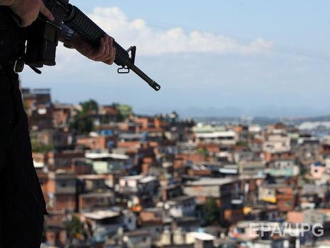 ВБразилии мужчина застрелил экс-супругу и неменее 10-ти еегостей