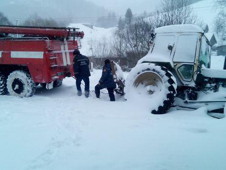 В 3-х областях государства Украины ограничили движение фургонов — Снегопад