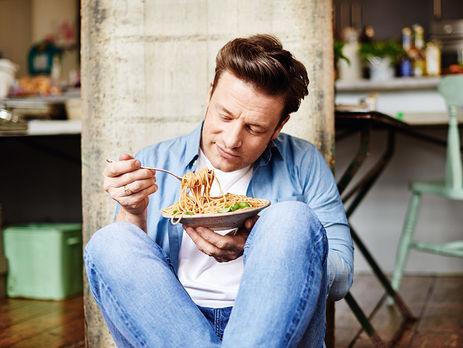 Джейми Оливер планирует закрыть шесть собственных ресторанов