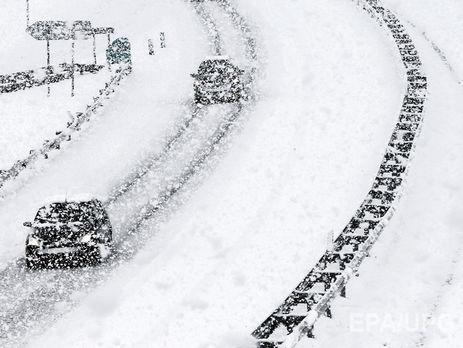 Движение транспорта ограничено вчетырех областях— Непогода вУкраинском государстве