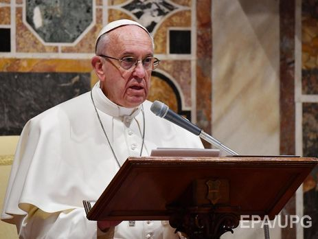 Папа Римский отказался ездить набронированном автомобиле