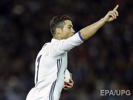 Криштиану Роналду стал футболистом года поверсии ФИФА
