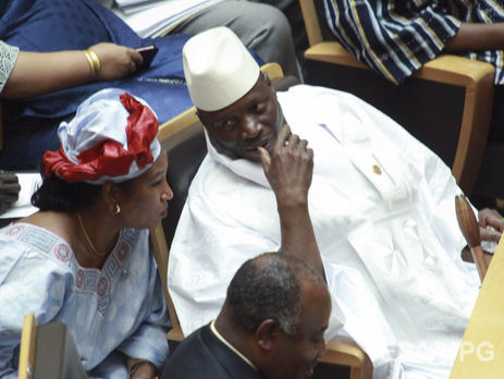 Президент Гамбии неуходит: вгосударстве введен режимЧП