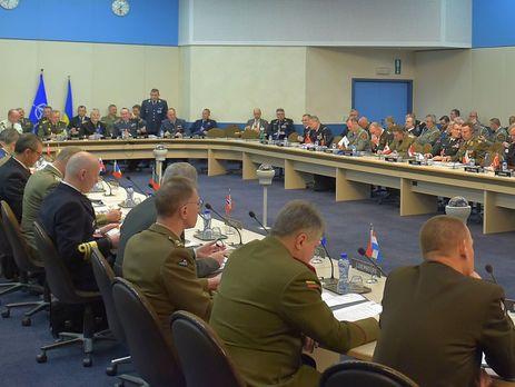 Муженко проинформировал НАТО сценарии продолжения войны наДонбассе
