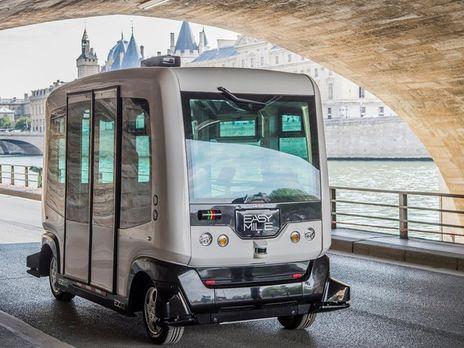 Встолице франции начали испытывать беспилотные минибусы
