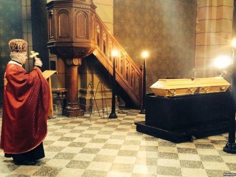 Власти сказали, когда состоится перезахоронение Александра Олеся