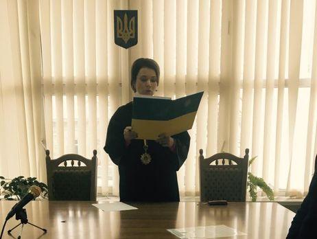 Судью Соломенского райсуда, пойманного навзятке, незахотели брать под стражу