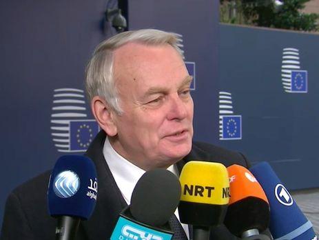 Кандидат впрезиденты Франции Макрон выступил против ужесточения миграционной политики США