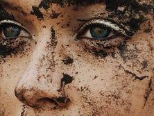 Яремчук измазалась в грязи для съемок нового клипа. Фоторепортаж