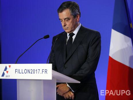 Франсуа Фийон извинился занаем собственной супруги идетей впарламент