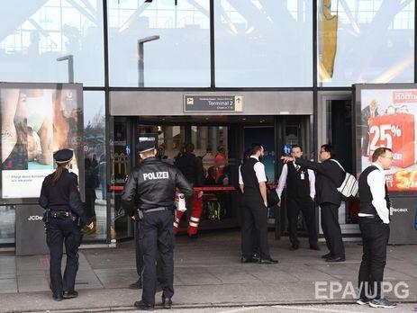 Первопричиной отравления людей ваэропорту Гамбурга мог стать перцовый газ— пожарные