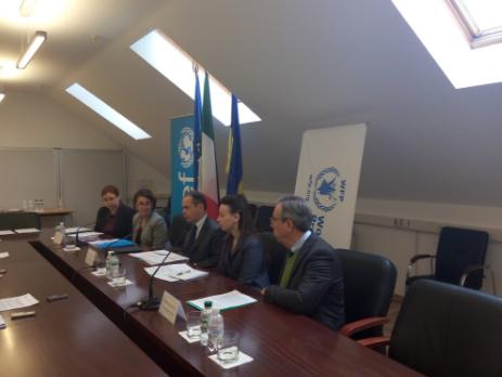 Италия выделила Донбассу 1млневро напродпайки иинформацию оминах