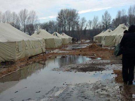 Бойцов 53-й бригады поселили наполигоне вподтопленных палатках— волонтер