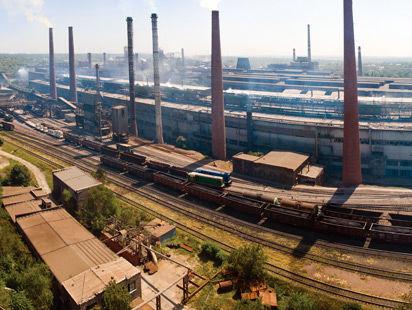 Донецкий металлургический завод остановлен из-за вызванной блокадой нехватки сырья