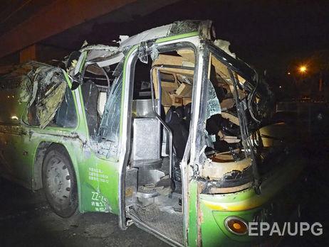 ВИндии смоста упал автобус: восемь погибших