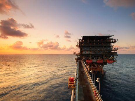 В течение дня цена на нефть упала на 5%