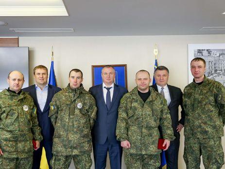 Аваков вручил награды МВД полицейским из Донецкой области