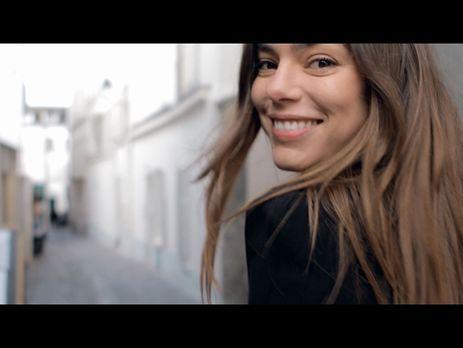 французская песня поет девушка па па па