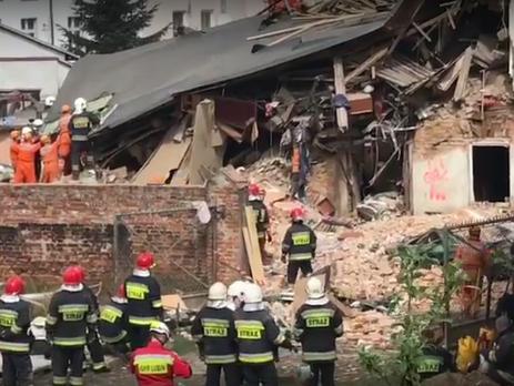 ВПольше рухнул дом, под завалами находятся неменее 10-ти человек
